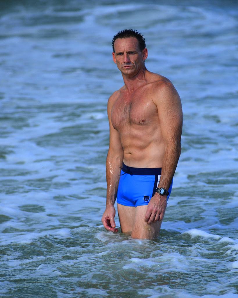 25991c95c3 Daniel Craig/James Bond Lookalike | Blue swim suit Casino Ro… | Flickr