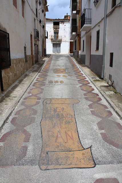 Pavimento ornamentado en la calle Jueguecillo de Aras de los Omos, 2010