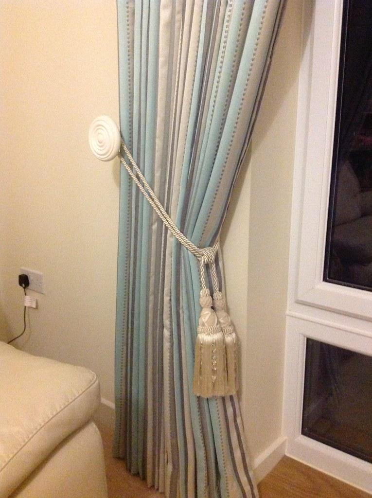 Tieback on curtains