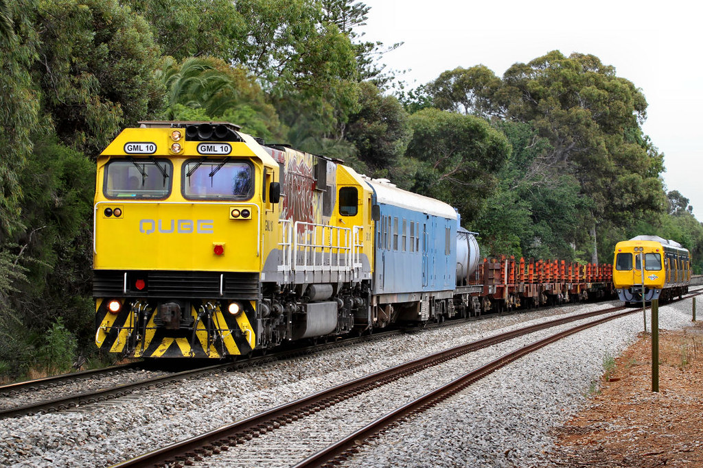 GML10 4M12 Loaded ARTC Rail Train Hawthorn 04 12 2012 by Daven Walters
