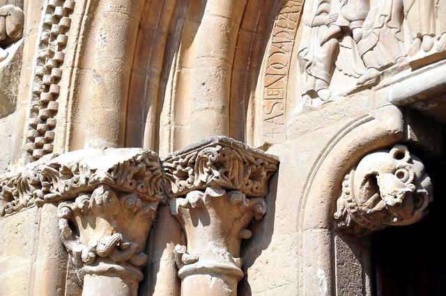 213 - Mocheta y Capiteles - Portada del Perdón - Basílica San Isidoro de León (Spain).