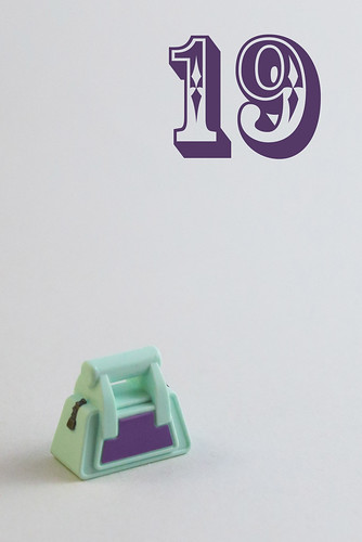 Day 19: handbag | by The LEGO woman