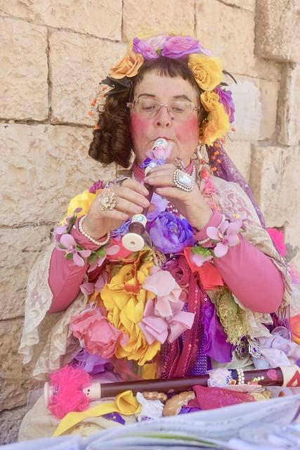Ruti Levy artist at the Jaffa Fleamarket