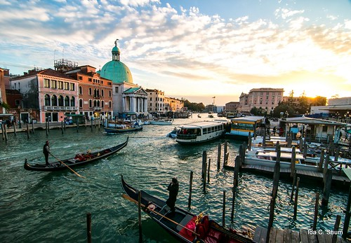 Gondoliers of Venice | by idashum