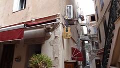 Узкая улица в Bonifacio