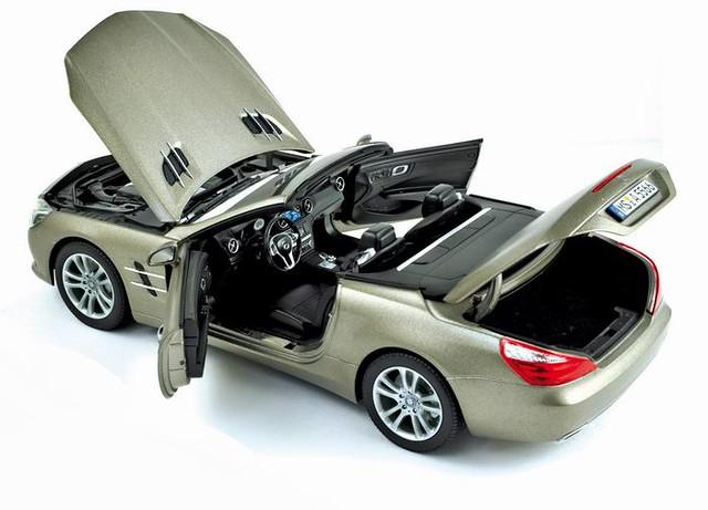 www.gltsa.com/diecast  وفر وقتك وجهدك ويصلك طلبك إلى بيتك  #diecast #cars #models #carmodel #مجسم #مجسمات #autos #supercars #love #instagood #instamood #iphonesia #picoftheday #beautiful #instadaily #instacars #tbt #tweegram #followers #likeforlike SL500