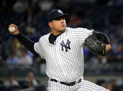 Yankees closer Dellin Betances delivers a pitch in the ninth. | by apardavila