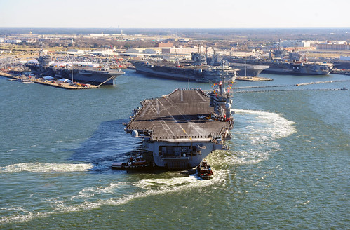 USS Dwight D. Eisenhower arrives in Norfolk. | by Official U.S. Navy Imagery