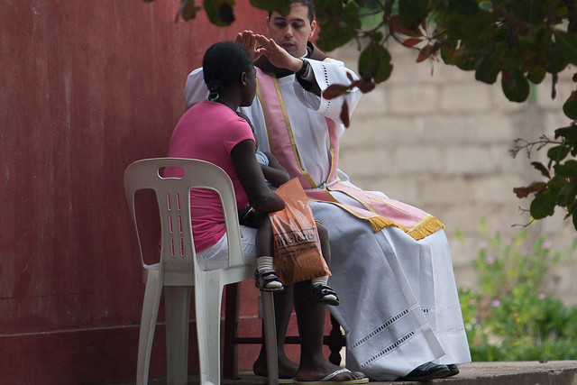 Mozambique: Misa en las Misiones Africanas