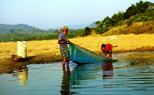 sunset sunrise workers assam sylhet bangladesh villagers freshwater blueriver riverfishing lalakhal bangladeshborder blinkagain shaririver coalfishing