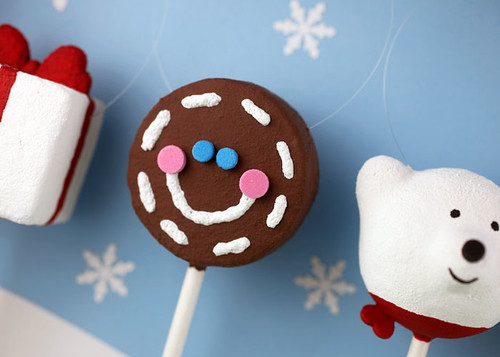 Gingerbread Cake Pop Ornament | by Bakerella