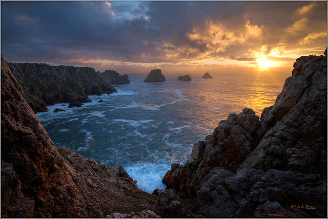 Le soleil à sa position la plus basse au solstice d'hiver avant qu'il ne remonte vers l'ouest !