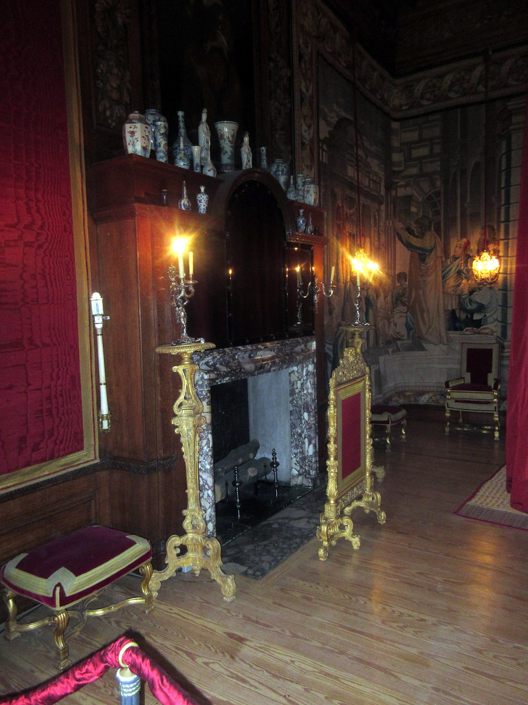 Fireplace and Chimney Breast of King's Great Bedchamber of William III's Apartments