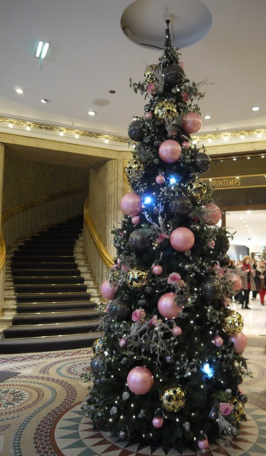 Christmas Tree With Rose Baubles