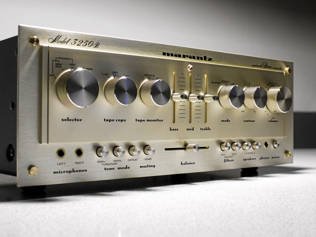 Marantz 3250B Preamplifier | 1979 High End Preamp from the l