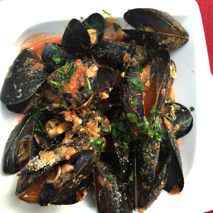 Croatian Food: Mussels