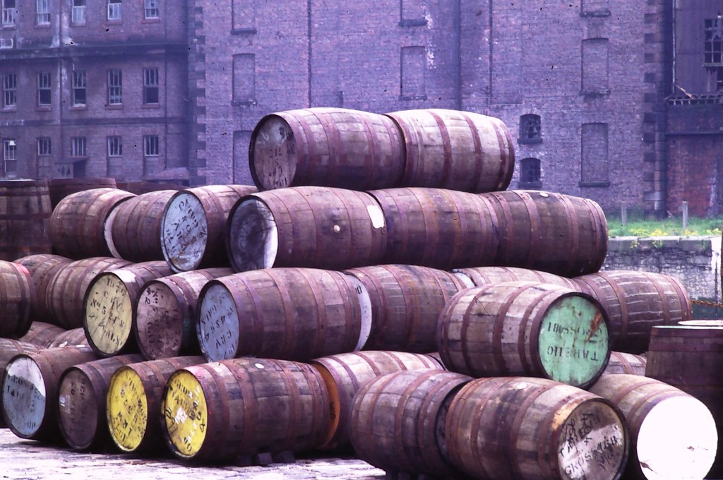03 Albert Dock barrels