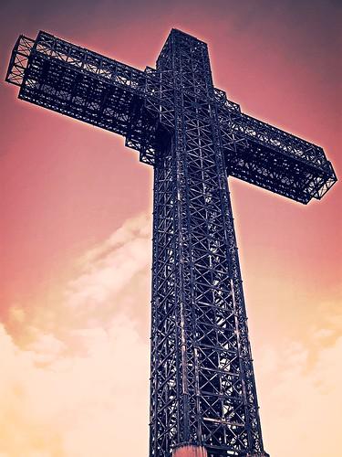 Millenium Cross   by praccus