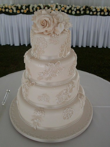 Elaborate 3 Tier Wedding Cakes | by Kiss the Bride