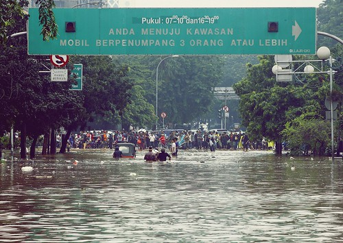 Jakarta Flood 4 | by andri.ananto