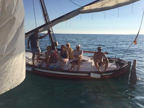 Vuitè bateig de mar de vela llatina el 25 d'agost