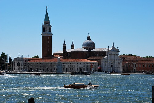 2017 venecia venezia italy italia patrimoniodelahumanidad worldheritage canal basílica iglesia church torre tower barco boat agua water europeanunion