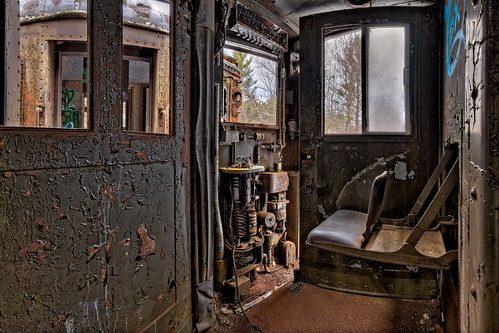 bartlett newhampshire unitedstates us abandoned train setthecontrolsfortheheatofthesun urbex decay rusty rust crusty locomotive chair controls panel d850 nikon frankcgrace trigphotography passenger