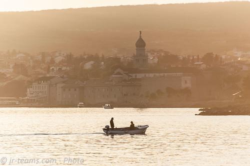 krk primorskogoranskažupanija kroatien sunset nikon d700 nikkor afs vr g 455670300 ifed boat frankopan castle burg historical golden hour