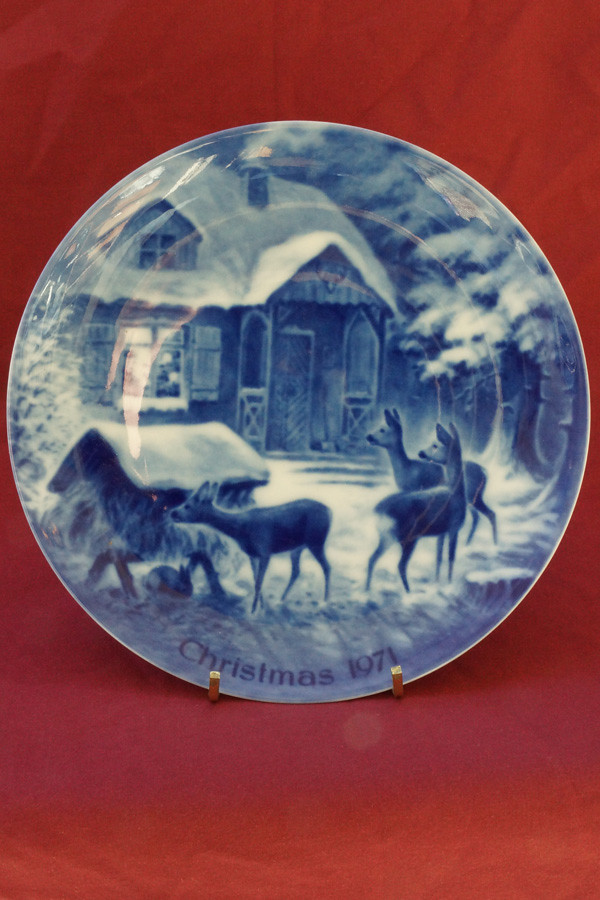 DSC01516 1971 Silent Night Collector Plate