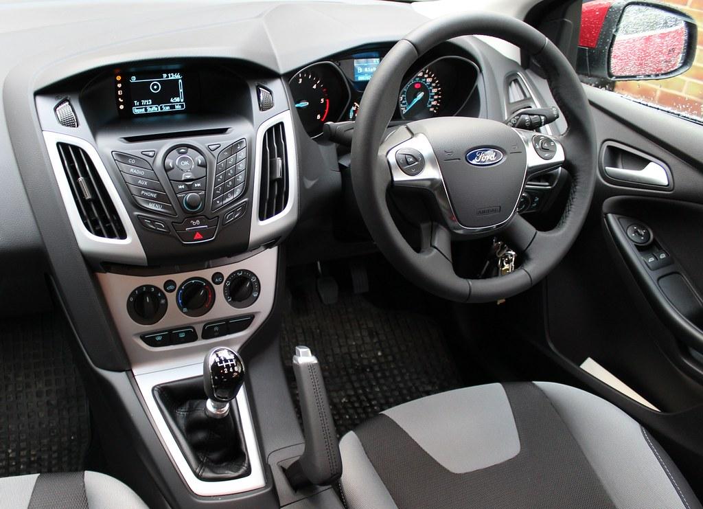 2013 Ford Focus Zetec 1 6 Tdci The Ip Or Instrument Panel Flickr