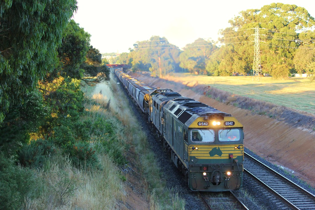 G542 A81 and P20 begin the assent up Warrenheip Bank by bukk05