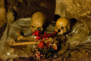 Bones and skulls with offering in a Toraja cave | by Jerome Nicolas