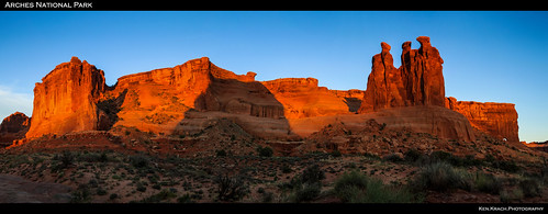 sunrise utah arches archesnationalpark threegossips
