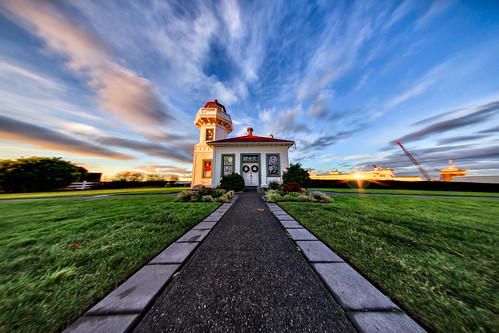 christmas winter sunset lighthouse ferry architecture canon photography washington day pacific northwest cloudy perspective wideangle fisheye solstice flare pacificnorthwest snohomish mukilteo mukilteolighthouse