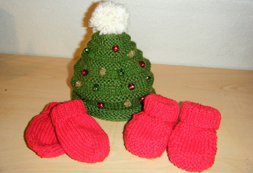 Patterns- Christmas Tree Hat: Www