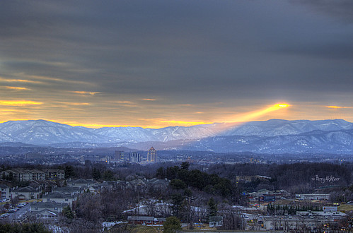 sunset sky snow mountains virginia ray spotlight beam roanoke terry salem hdr vinton blueribbonwinner diamondclassphotographer flickrdiamond aldhizer terryaldhizercom