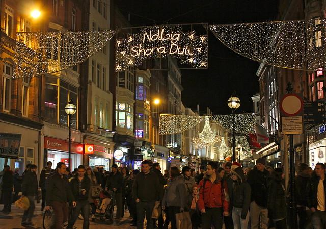 Dublin Christmas Shoppers