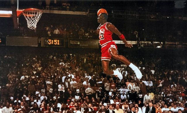 TS calculator: illustration of Michael Jordan in the middle of a shot