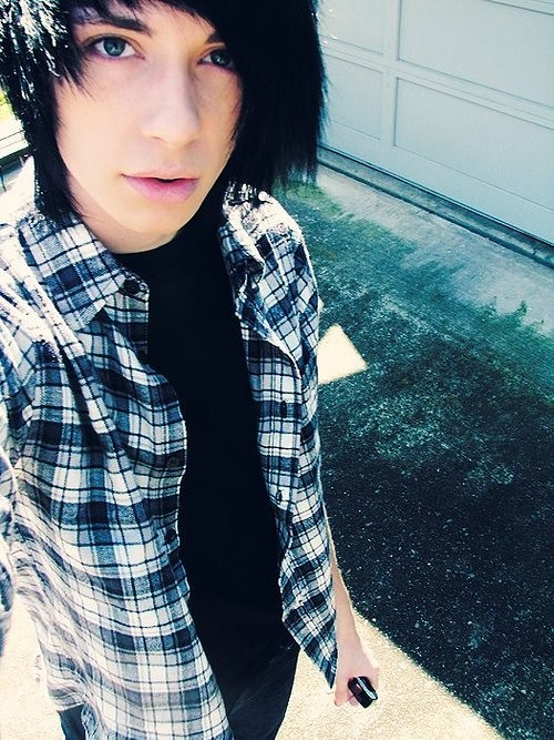 Where can i find emo guys