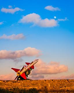misil apuntando a la luna (de EEUU) | by jaumescar