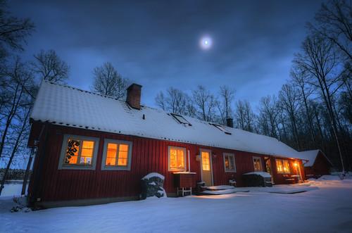 door trees windows winter chimney moon house snow forest landscape countryside woods sweden dusk pipe moonlight sverige pastoral hdr mariefred frönäs