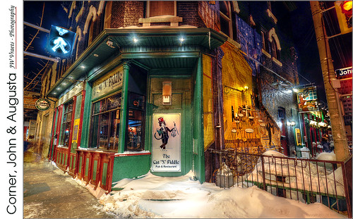 snow bar night pub nikon hamilton gimp hdr luminance catnfiddle nikkor1224mm d5000 qtpfsgui
