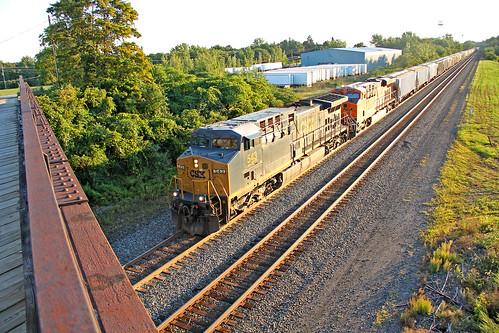 csx csxtrains csxeriewestsubdivision csx543 bortroad northeastpennsylvania rails tracks railroadtracks graintrains csxgraintrains bridges bnsflocomotives bnsfmotivepower