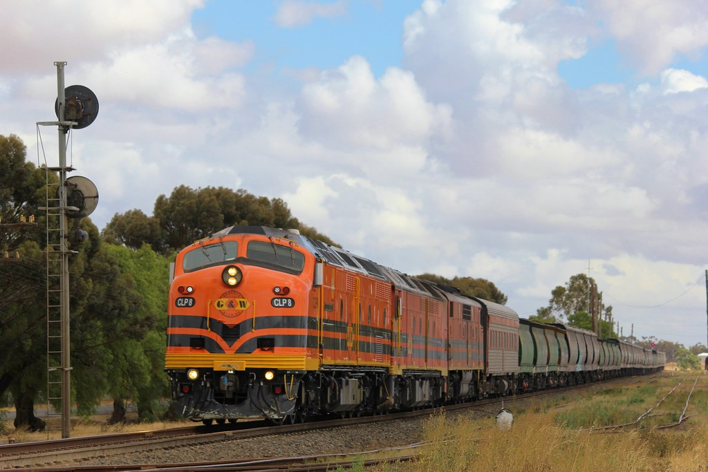 CLP8 ALF19 and GM42 get the go ahead to move into the Marmalake siding at Murtoa by bukk05