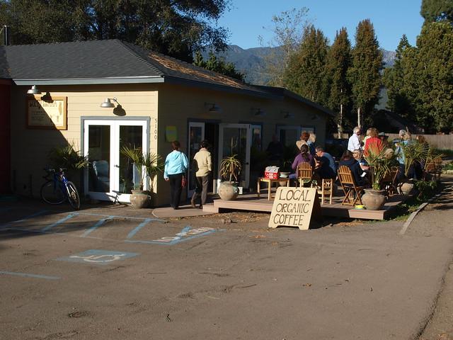 M3095464 Lucky Llama coffee shop Carpinteria  artists show