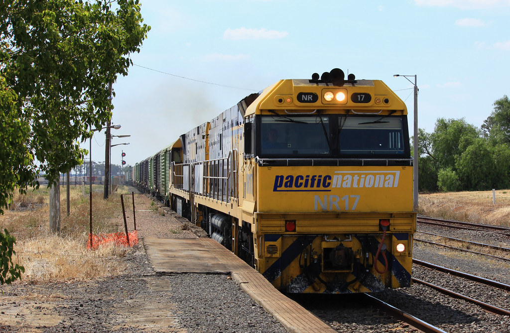 NR17 and NR16 power up on PM5 after waiting for the Mineral Sands to clear the section infront of it by bukk05