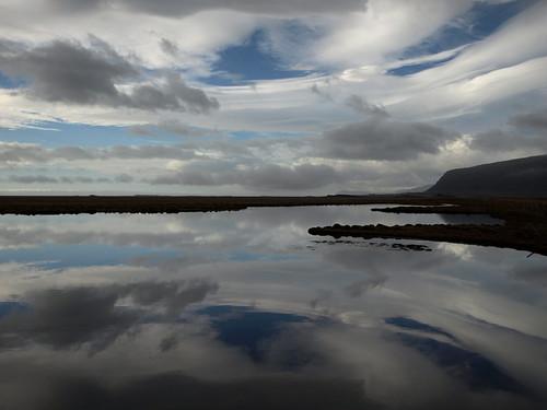 blue white reflection march iceland still ský himinn speglun hornafjörður 2013 skaftafellssýsla hornafjarðarfljót