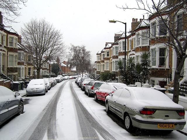 Snow on Tressillian Road