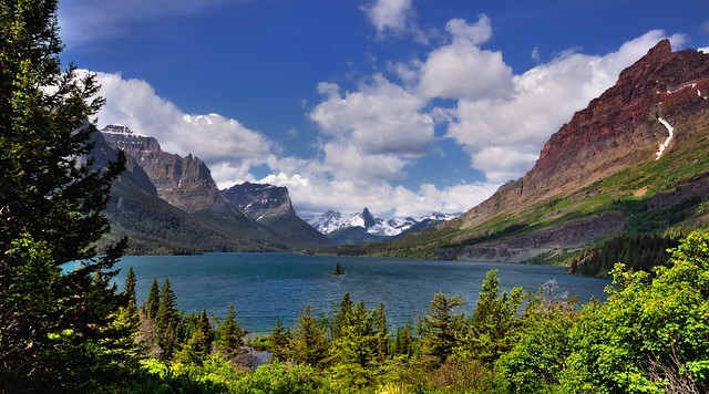 Looking to the Continental Divide (Glacier National Park)