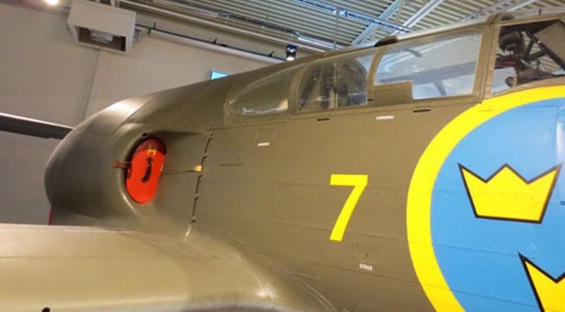 Saab J-21 R 7
